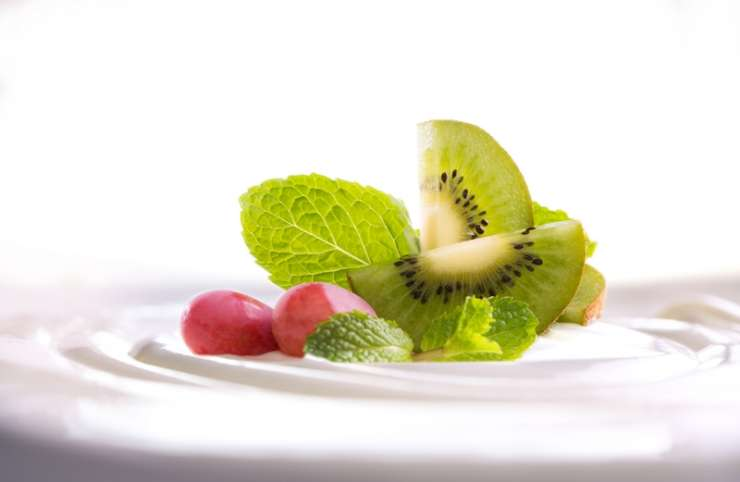 HOLISTIC NUTRITION – The healthiest way to lose weight and improve your health.